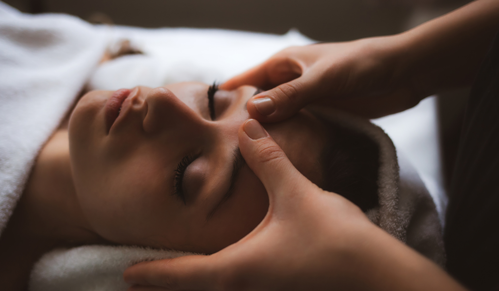 vivire wellness MOTHERS day massage facial special 9